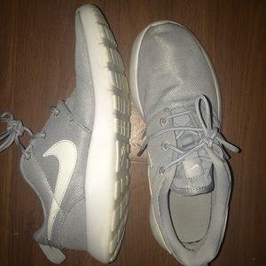 Nike Shoes - Kid nike shoes